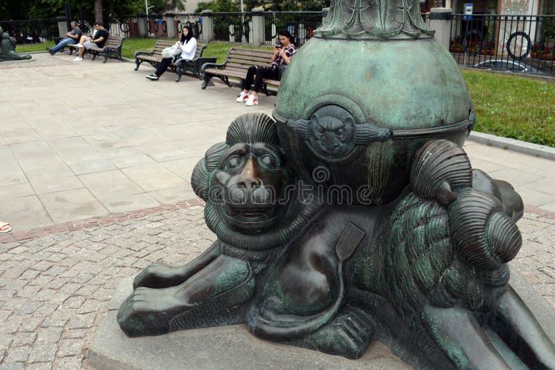 Rzeźba lwy przy bazą lampa na Gogol bulwarze w Moskwa obrazy royalty free