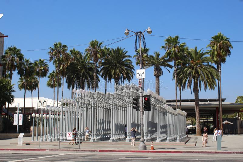 Rzeźba, Miastowy światło przy Los Angeles okręgu administracyjnego muzeum sztuki, LACMA zdjęcie stock