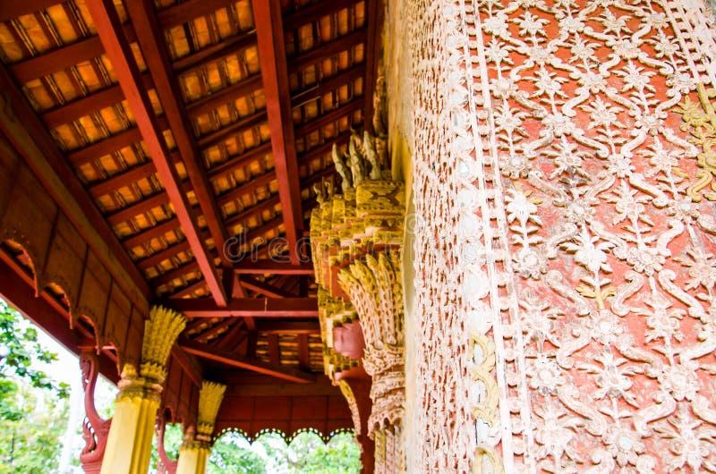 Rzeźba projekta Saket świątynia jest antycznym Buddyjskim świątynią w Vientiane obraz stock