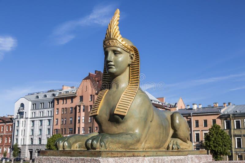 Rzeźba sfinks blisko Egipskiego mosta nad Fontanka rzeką, St Petersburg, zdjęcie stock