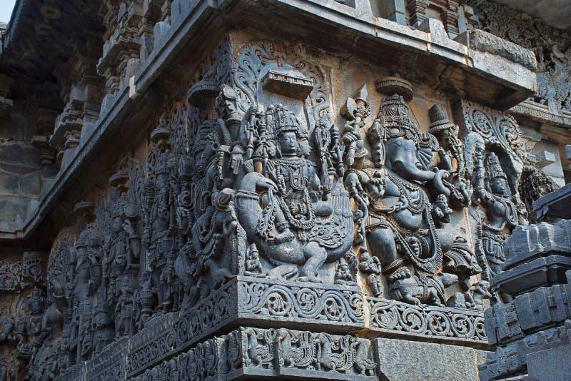 Rzeźba władyki Ganesha słonia bóg Brahma i władyka Hoysalesvara świątynia obraz stock