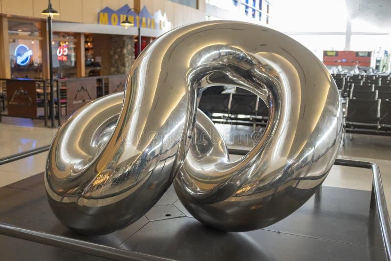 Rzeźba w Concourse A przy Seattle TAC lotniskiem dzwoni Pantopol zdjęcia stock
