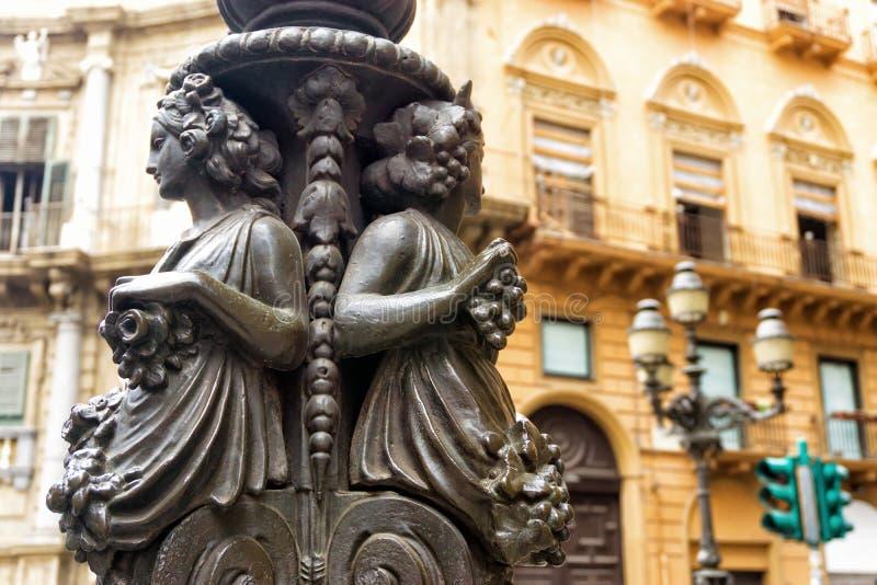 Rzeźba w Quattro Canti Cztery Cornes w Palermo, Włochy zdjęcia royalty free