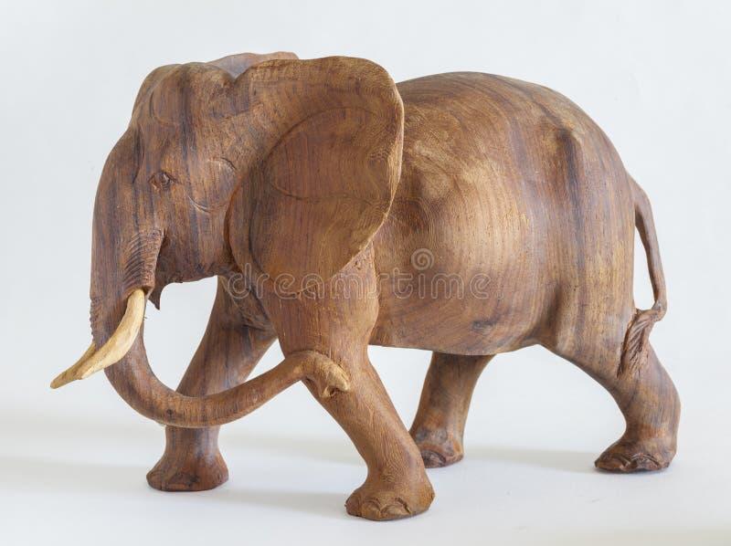 Rzeźbiący drewniany słoń zdjęcia royalty free