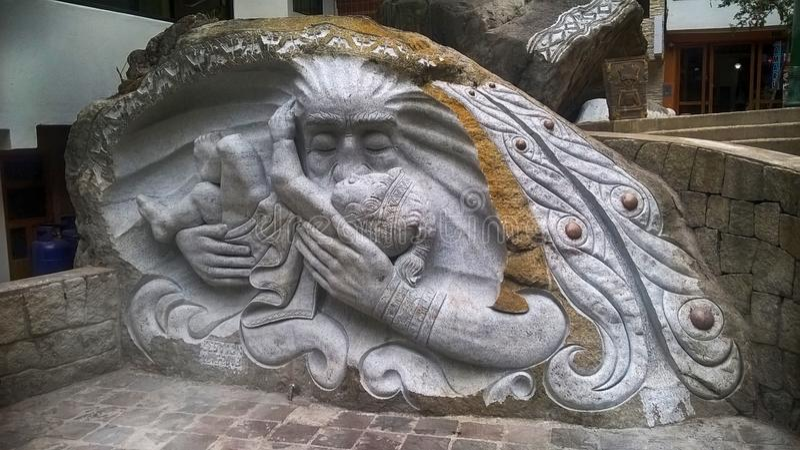 Rzeźbiący w rockowym machupicchu zdjęcie royalty free