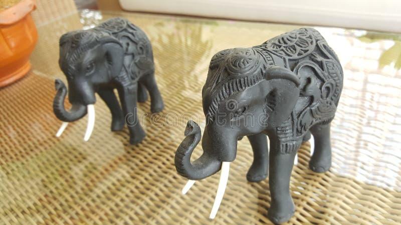 Rzeźbić drewnianych słonie obraz stock