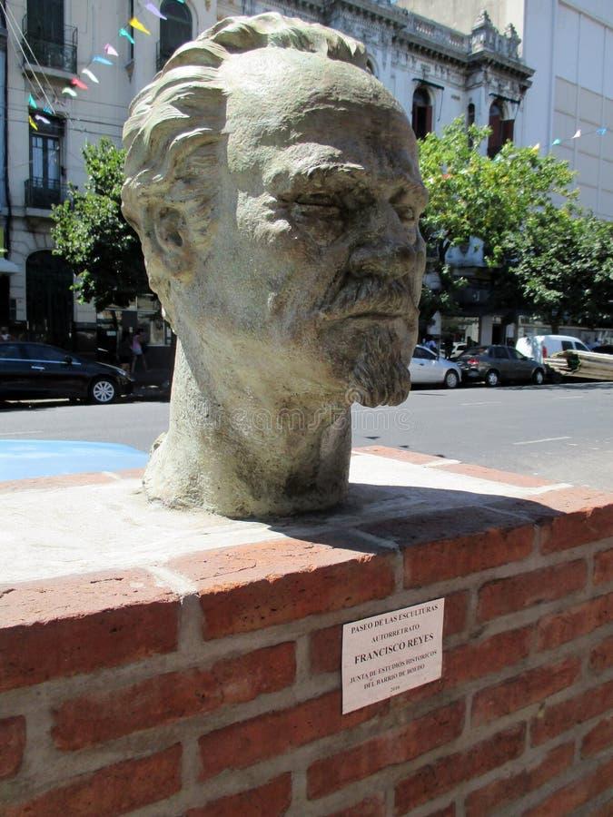 Rzeźbi autoportret Francisco Reyes w Paseo De Las Esculturas Boedo Buenos Aires Argentyna obraz stock
