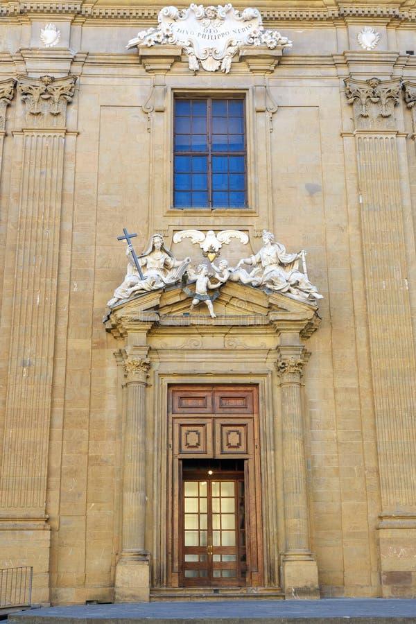 Rzeźbiony skład nad wejściowym drzwi kompleks San Firenze Florencja Włochy obrazy royalty free