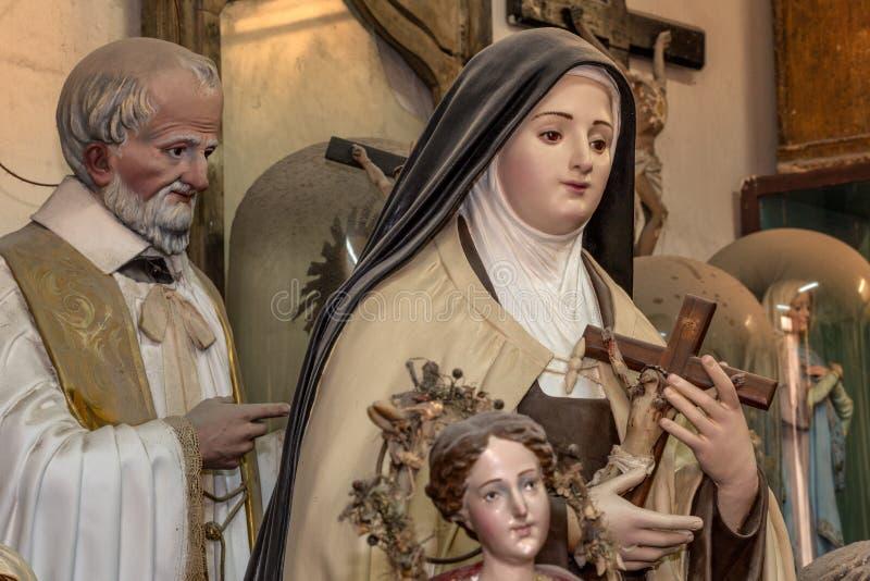 Rzeźby święty rzeźbili papier-machè royalty ilustracja