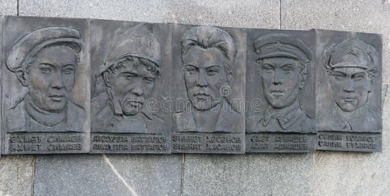 Rzeźby bohaterzy w Kremlin, Kazan, federacja rosyjska obrazy stock