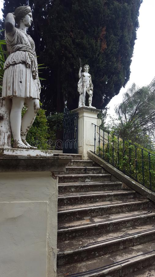 Rzeźby park Achilleion pałac imperatorowa Austria Elisabeth Bavaria w Corfu wyspie, Grecja zdjęcie royalty free