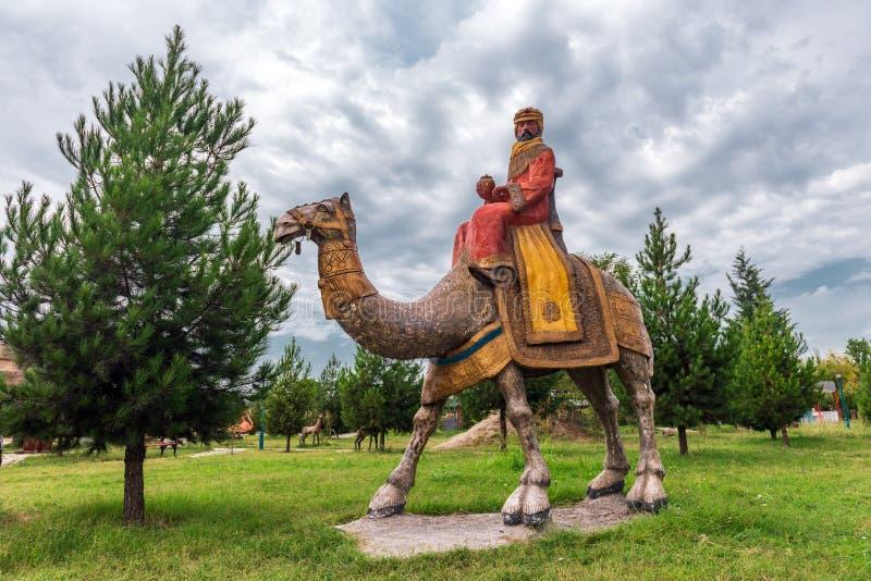 Rzeźby w miasto parku, wielbłądzi jeździec obraz stock