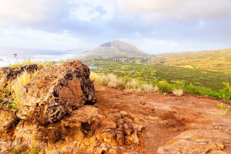 Rzeczna dolina przy wschodem słońca przy Makapuu punktem, Hawaje obrazy stock