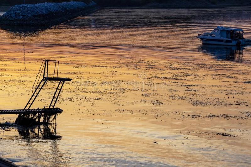 Rzeczna nurkowa platforma przy Kladovo, Serbia fotografia stock