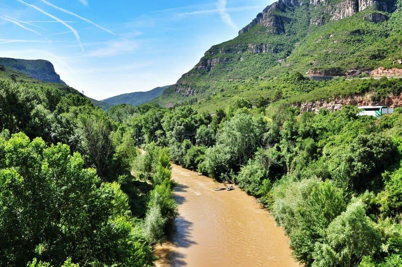 Rzeczne pobliskie góry Montserrat zdjęcie royalty free
