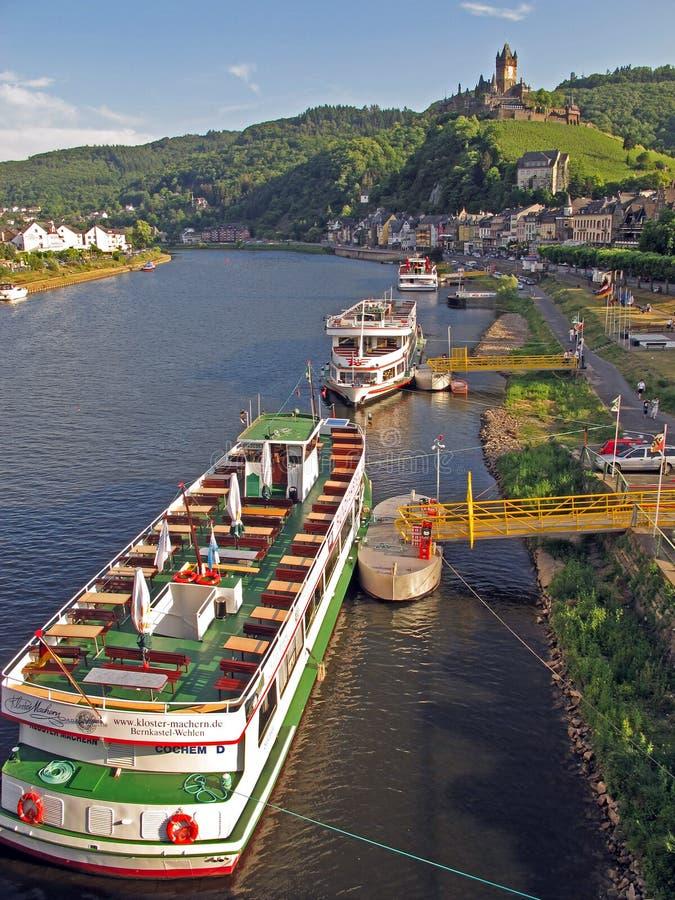 rzeczni Moselle pontony obrazy stock