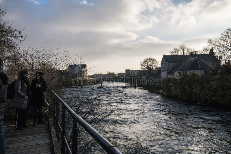 Rzeczny Corrib, Galway, Irlandia - zdjęcie stock