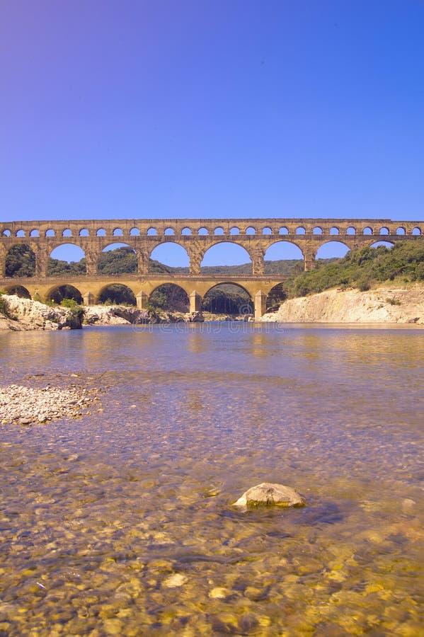 Rzeczny Gard du Gard i Pont, Nimes, Francja zdjęcie royalty free