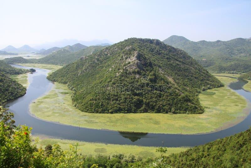 Rzeczny meander - Spektakularny widok Rijeka Crnojevica rzeka Skadar i jezioro obraz royalty free