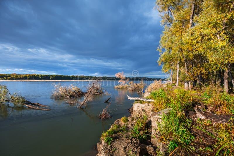 Rzeczny Ob, jesień Zachodni Syberia, Novosibirsk region, Suzun fotografia stock