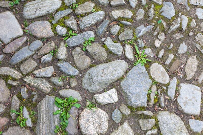 Download Rzeczny Szorstki Kamienia Bruk Zdjęcie Stock - Obraz złożonej z brukujący, kamień: 53781306