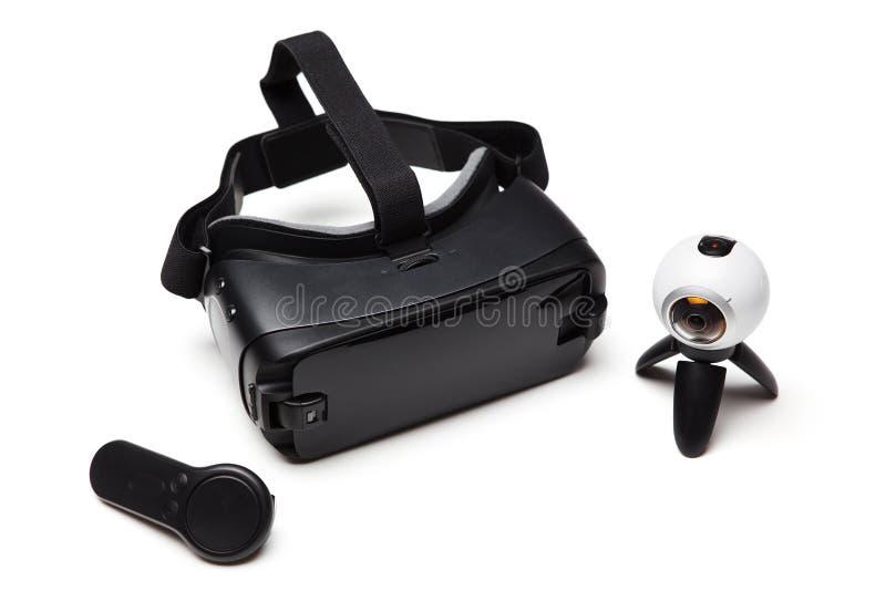 Rzeczywistości wirtualnej wyposażenie Czarni VR szkła, pilot do tv i obraz stock