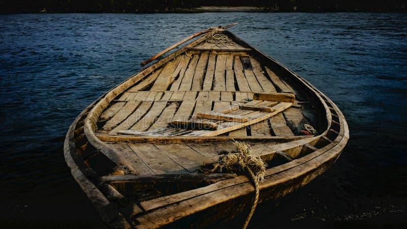 Rzeka & łódź obraz royalty free