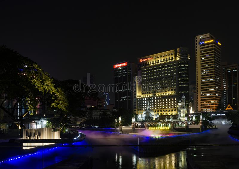 Rzeka życia i Jamek Meczetowy punkt zwrotny Kuala Lumpur Malezja zdjęcia stock