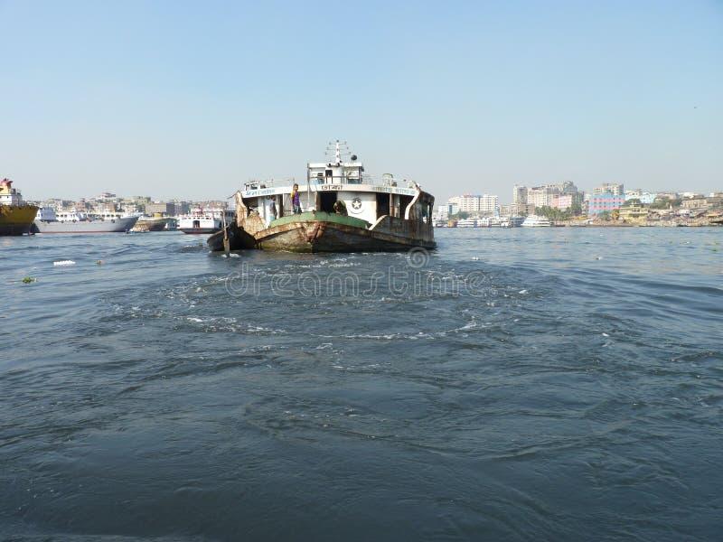 Rzeka burigonga Dhaka Bangladesh fotografia royalty free