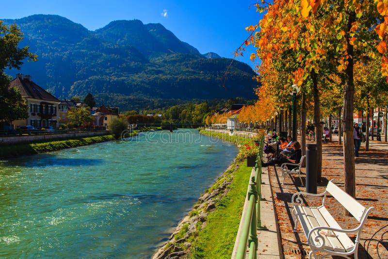Rzeka i góra w Złym Ischl obraz stock