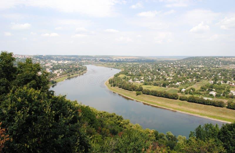 Rzeka i wzgórze zdjęcia royalty free
