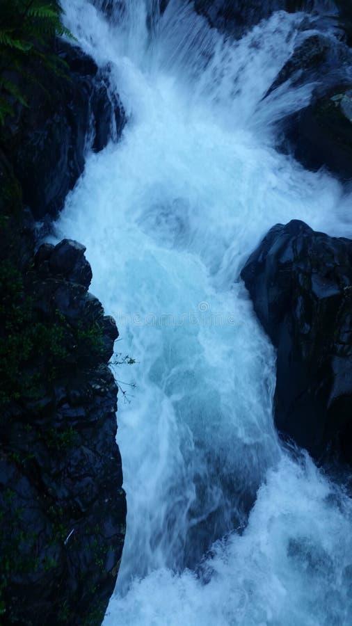 Rzeka między górami obrazy royalty free