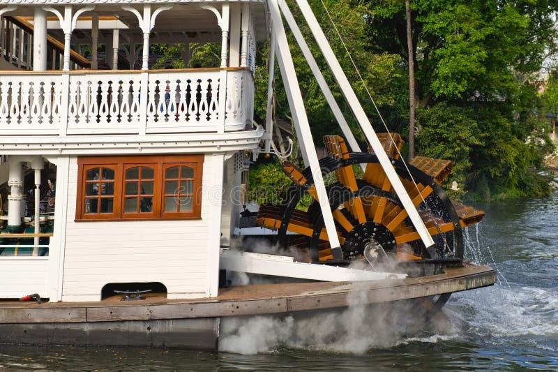 rzeka na koła łodzi zdjęcia royalty free