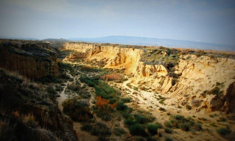 Rzeka rżnięty Bardenas, Hiszpania fotografia stock