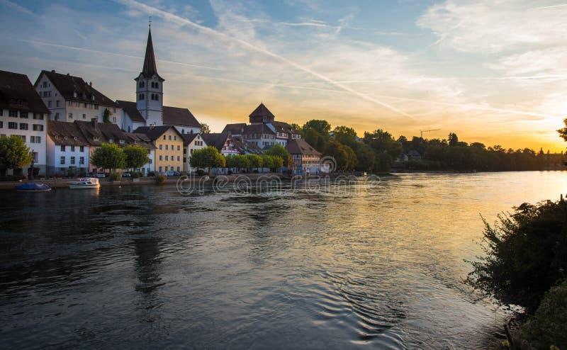 Rzeka Ren w pobliżu Diessenhofen w Szwajcarii fotografia royalty free