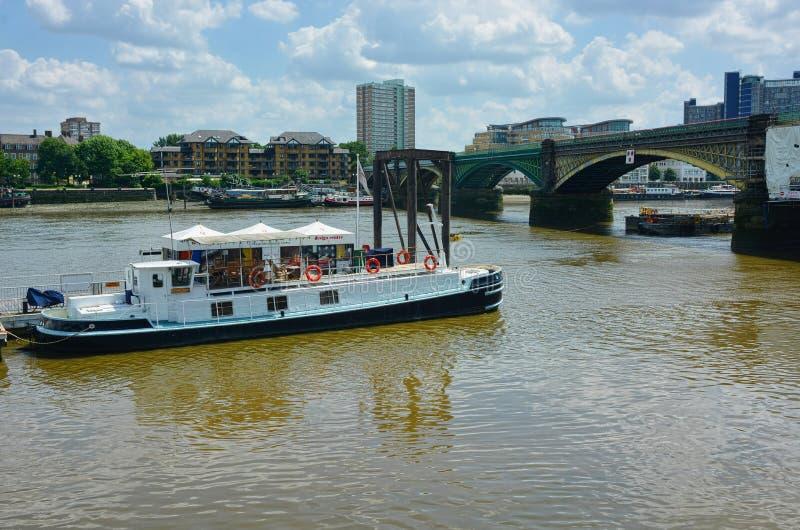 rzeka Tamiza Biznes na łodzi obrazy royalty free