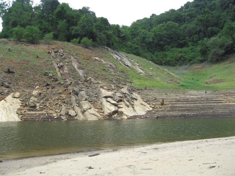 Rzeka w Papanasam, tamil nadu obrazy stock