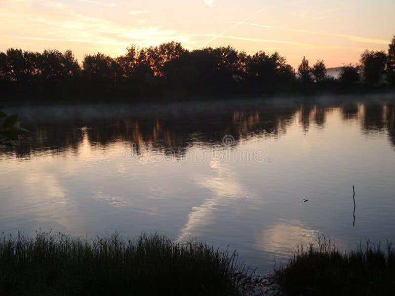 Rzeka w wczesnym poranku obraz royalty free