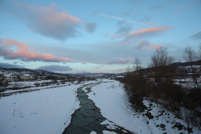 Rzeka w zima czasie zdjęcie stock