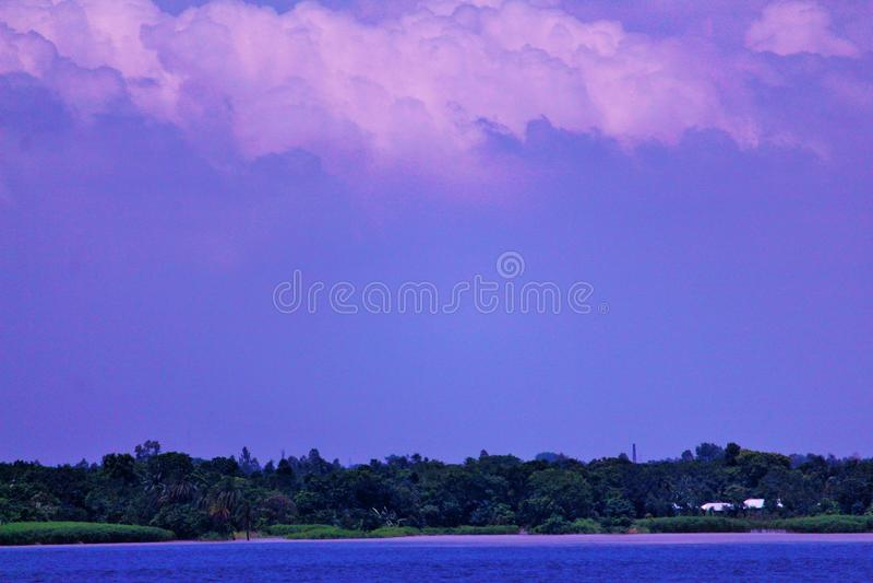 Rzeka z niebem obraz royalty free