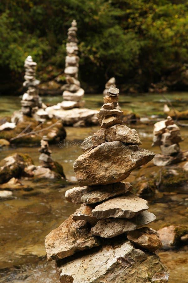 Rzeki skały sterty fotografia stock