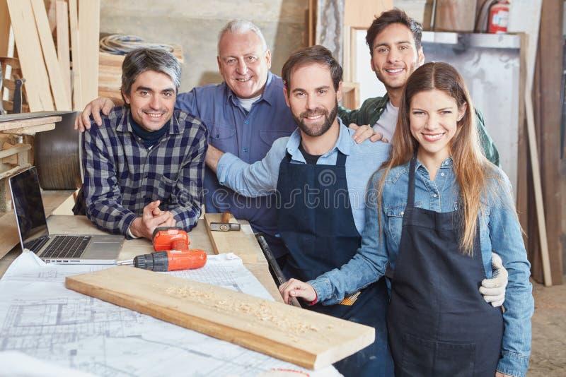 Rzemieślnicy jako drużyna zdjęcie stock