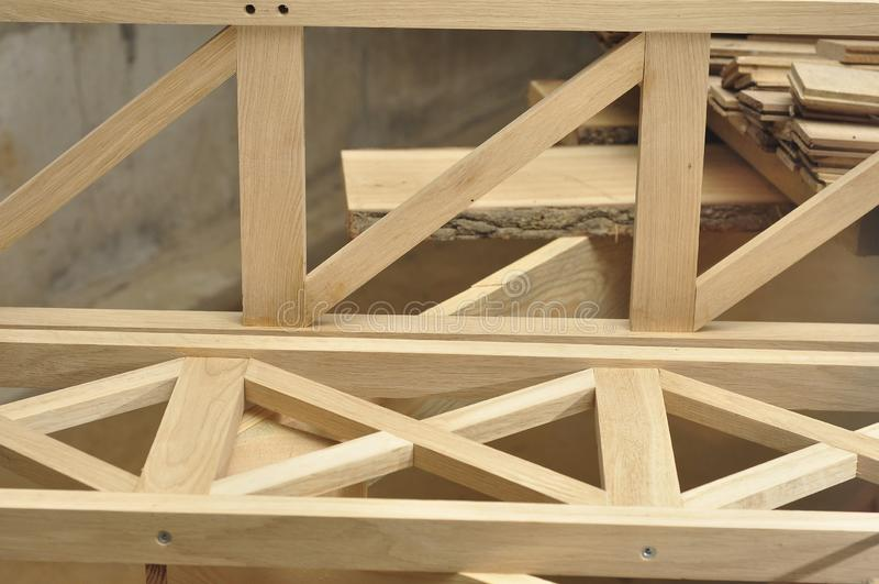 Rzemiosła robić drewno z ich swój ręki Budowy drewna meble Joinery warsztat zdjęcie royalty free