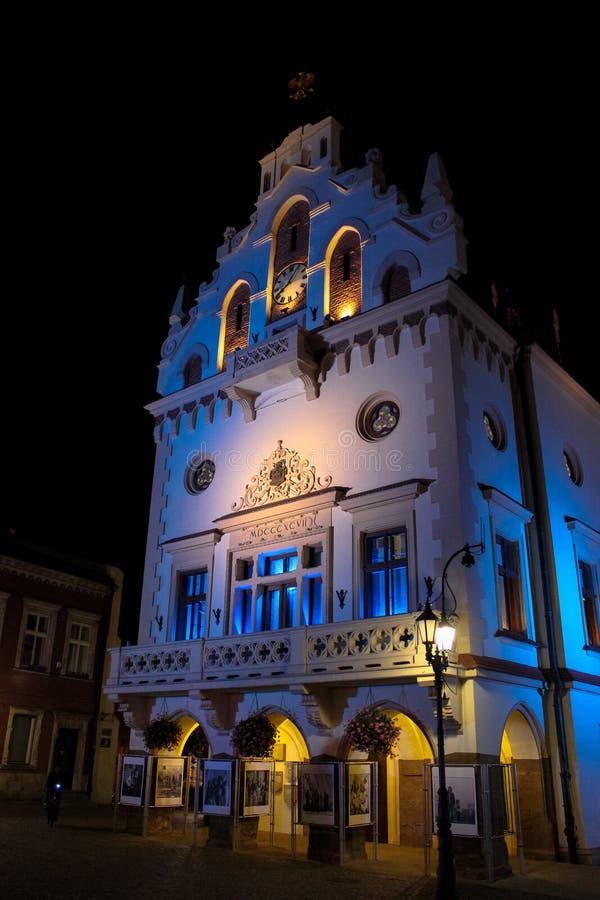 Rzeszow Polen - Oktober 06, 2013: Historiskt stadshus arkivfoton