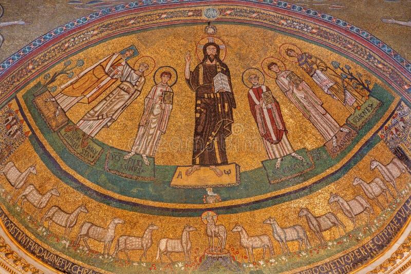 RZYM, WŁOCHY: Apsydy mozaika Chrystus wśród świętych w byzantine stylu w kościelnej bazylice Di San Marco od 9 cent fotografia stock