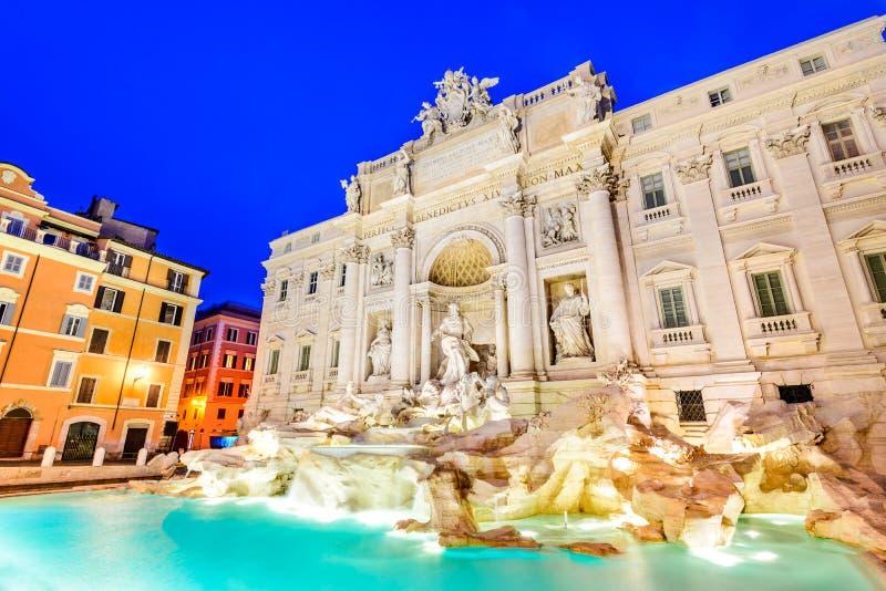 Rzym Włochy, Fontana, - Di Trevi, noc wizerunek fotografia stock
