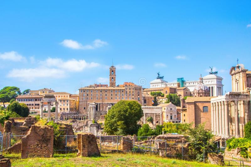 Rzym Włochy, Wrzesień, - 12, 2017: Ruiny Romański forum Architektura i punkty zwrotni Rzym zdjęcia royalty free