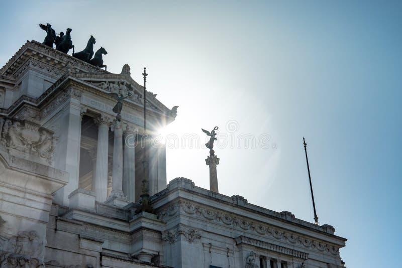 RZYM, Włochy: Zadziwiający widok ołtarz Fatherland, Altare della Patria, znać jako krajowy zabytek zwycięzca Emmanuel II, w fotografia royalty free