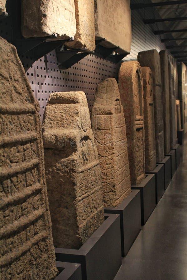 Rzymianin rzeźbił nagrobki w archeological muzeum Lisbon zdjęcie stock