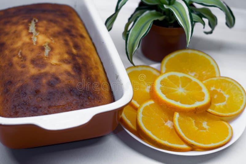 Süßes Gebäck: Torte mit Orangen stockbild